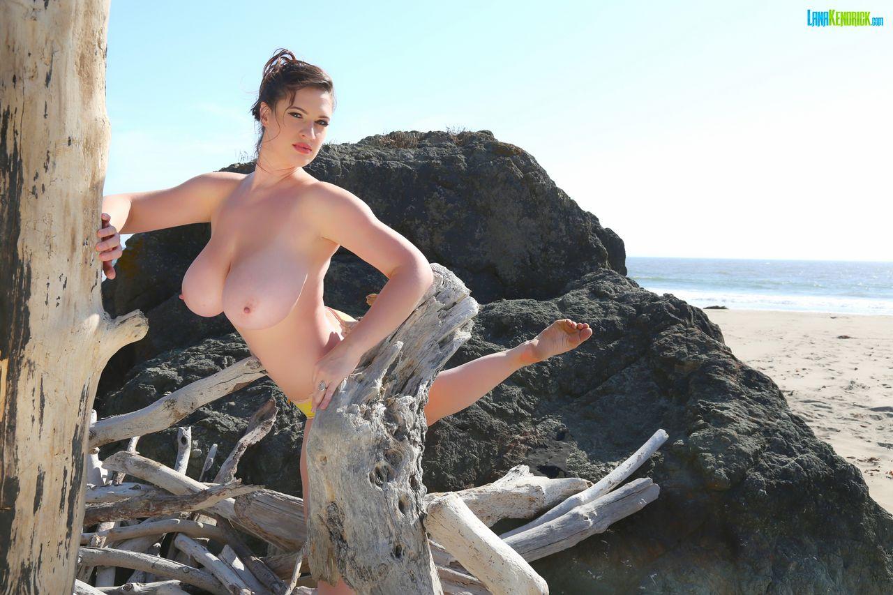 Lana kendrick adult gallery Topless Beach Set 3